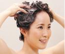 (3) 頭皮をほぐすように「もみ洗い」